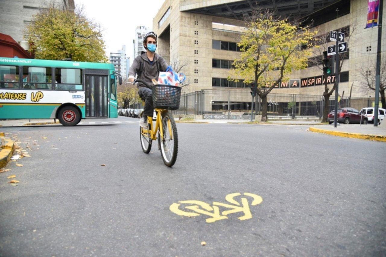 Aprueban un sistema de préstamo y alquiler de unas tres mil bicicletas en La Plata