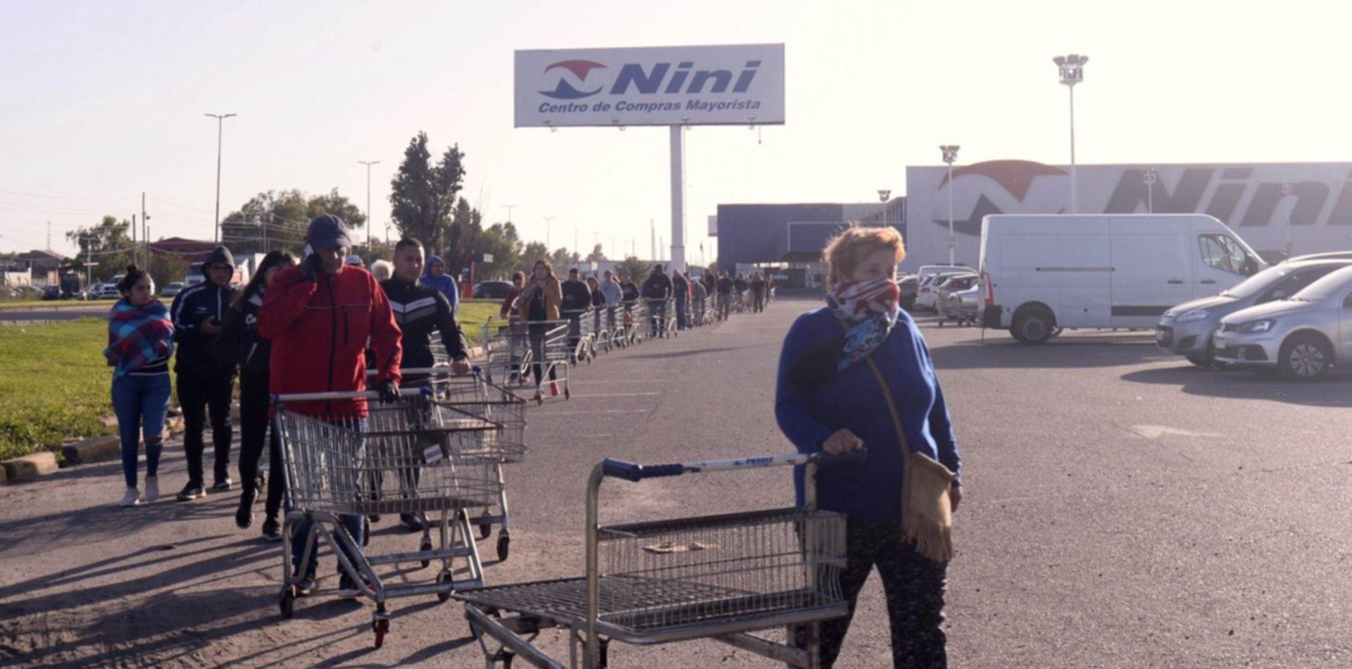 Continúan los operativos y el control de precios en hipermercados de La Plata