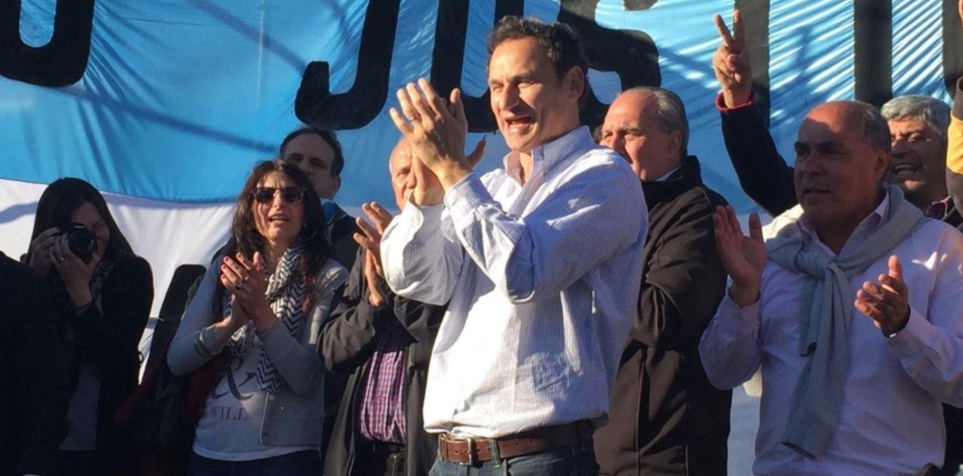 Detuvieron a los espías que seguían al ex intendente Pablo Bruera en La Plata