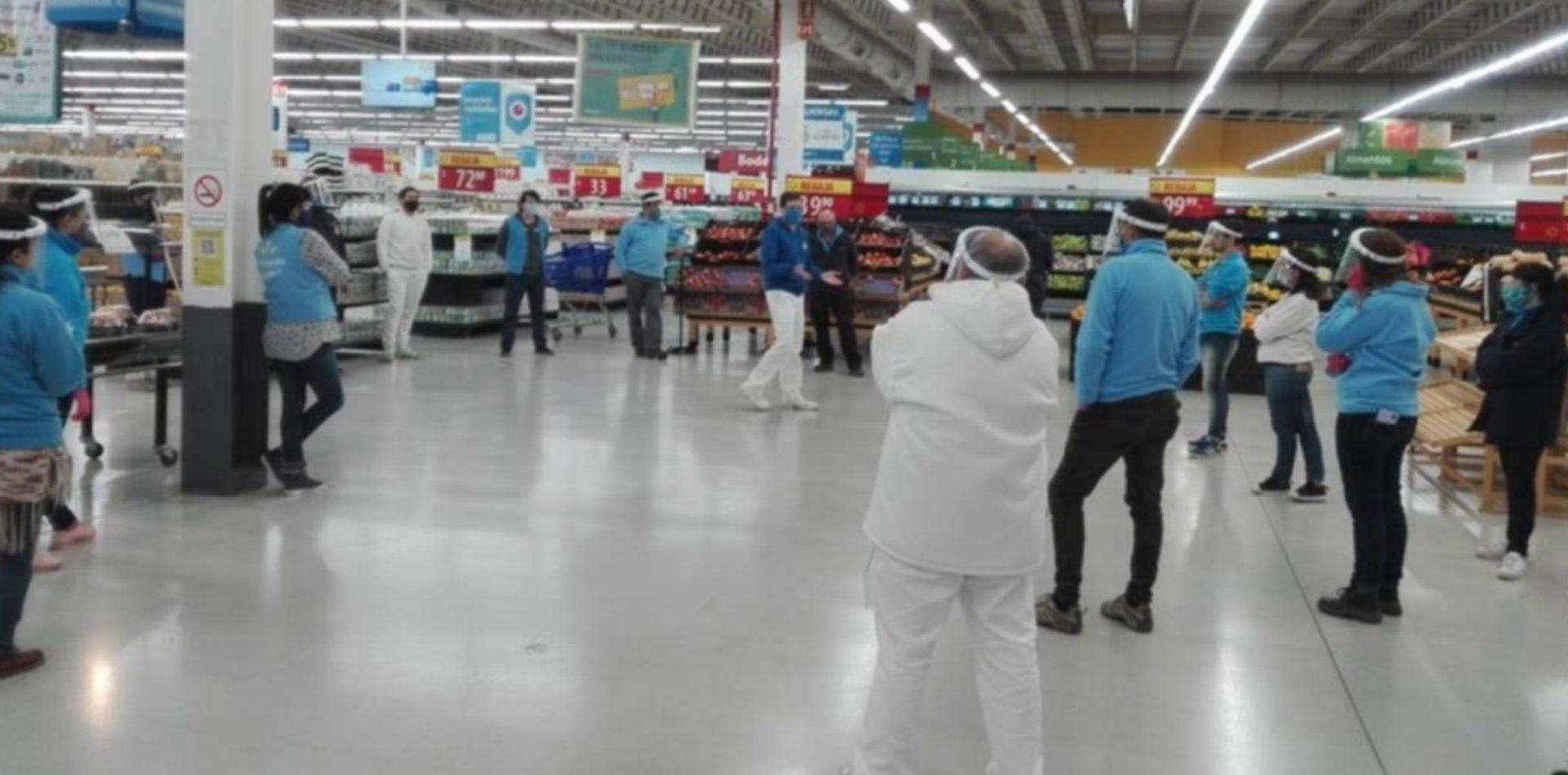 Paro y escándalo en Walmart por otro caso de coronavirus en el hipermercado de La Plata