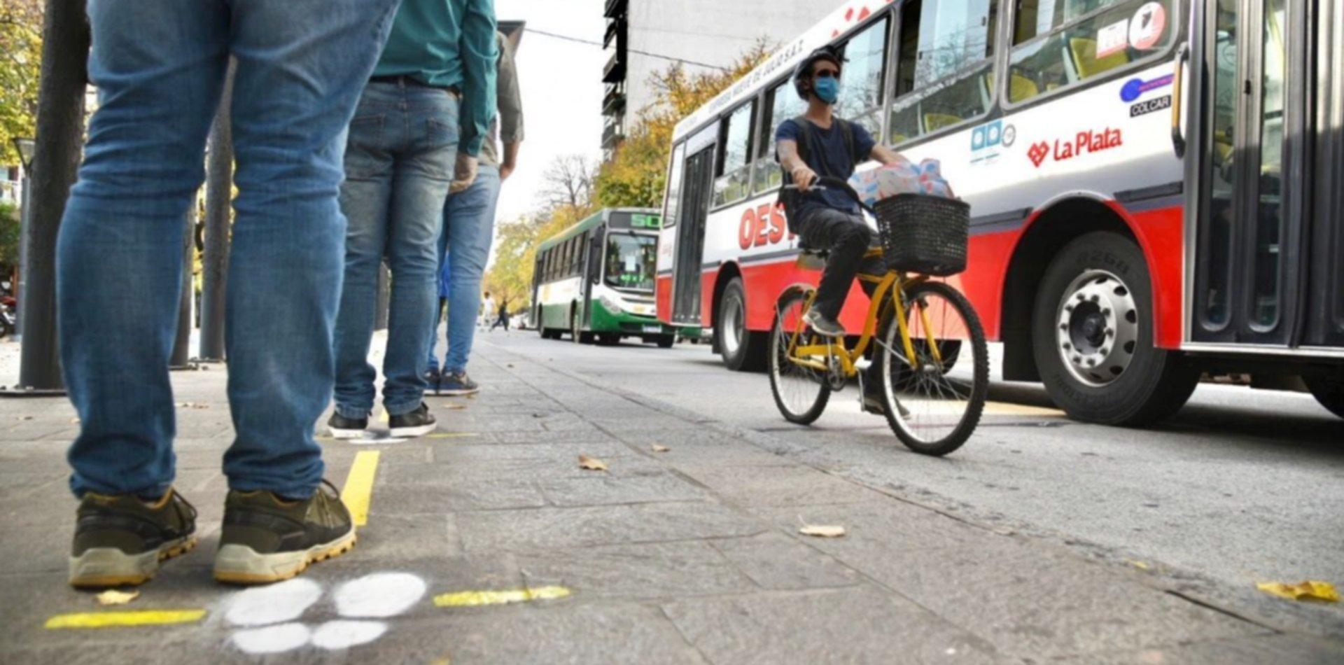 Siguen demarcando las calles de La Plata para prevenir contagios de coronavirus
