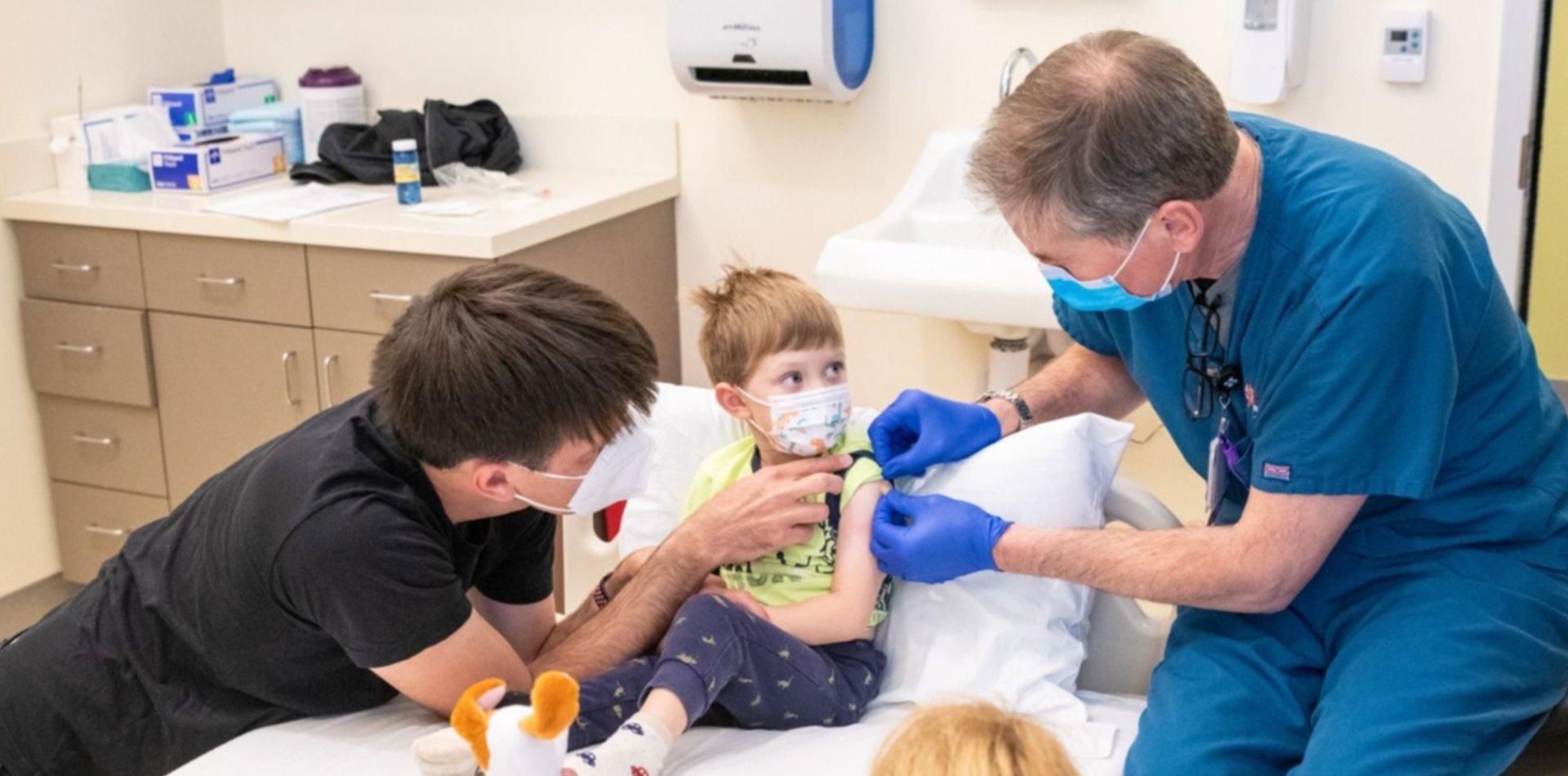 Un estudio confirma que la vacuna Sinopharm es segura en chicos de 3 a 17 años