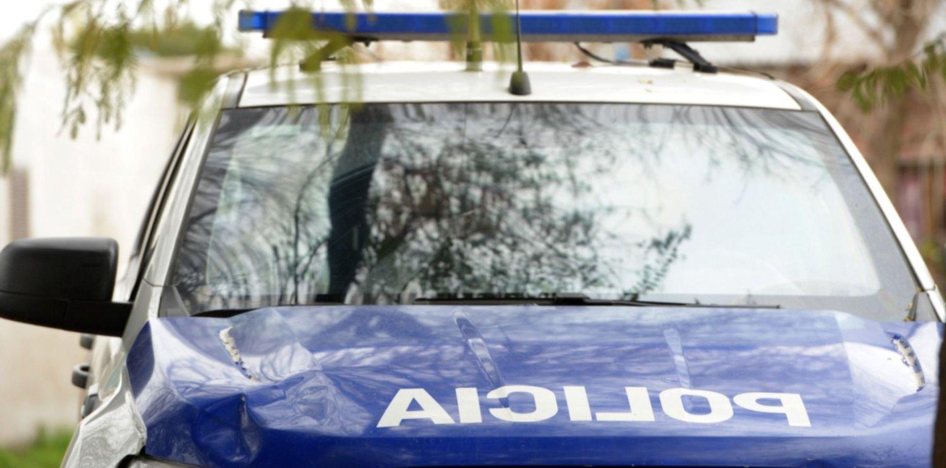 Dos hermanos quisieron robar una camioneta en La Plata y terminaron presos