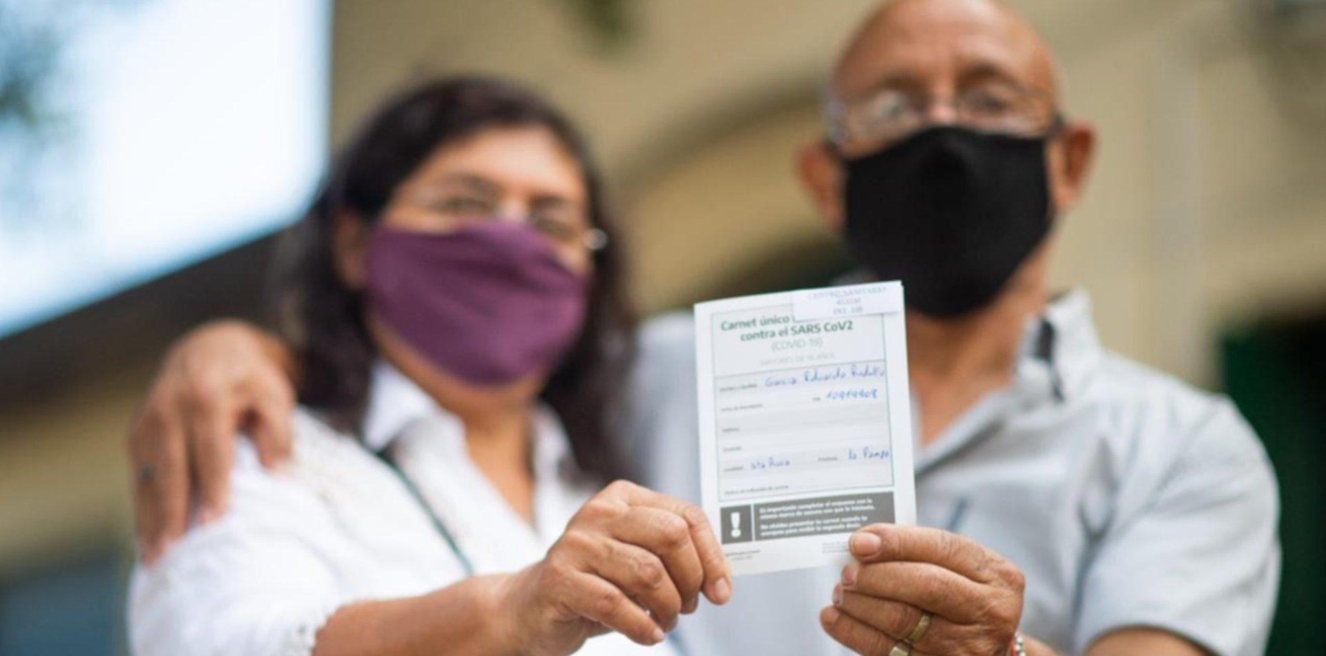 Récord del plan de vacunación: el jueves se aplicaron 376.815 dosis en toda Argentina