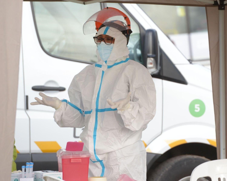 COVID en Argentina: 1.350 nuevos casos y 52 muertes