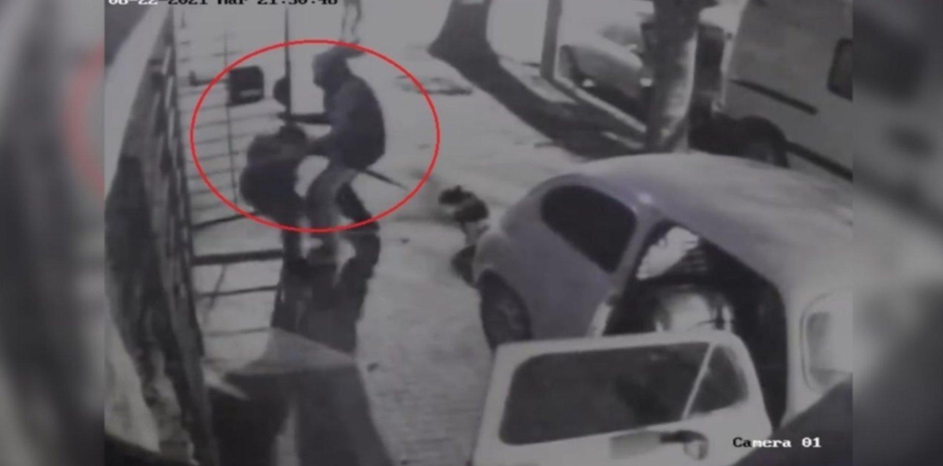 VIDEO: Así fue la violenta entradera en La Loma que terminó con un adolescente muerto