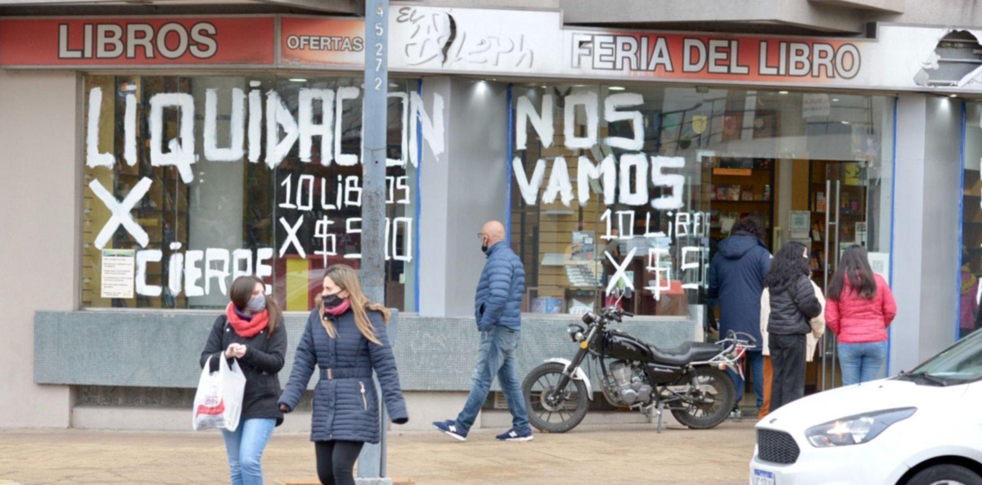Todas las ofertas de la histórica librería de La Plata que cierra y está de liquidación