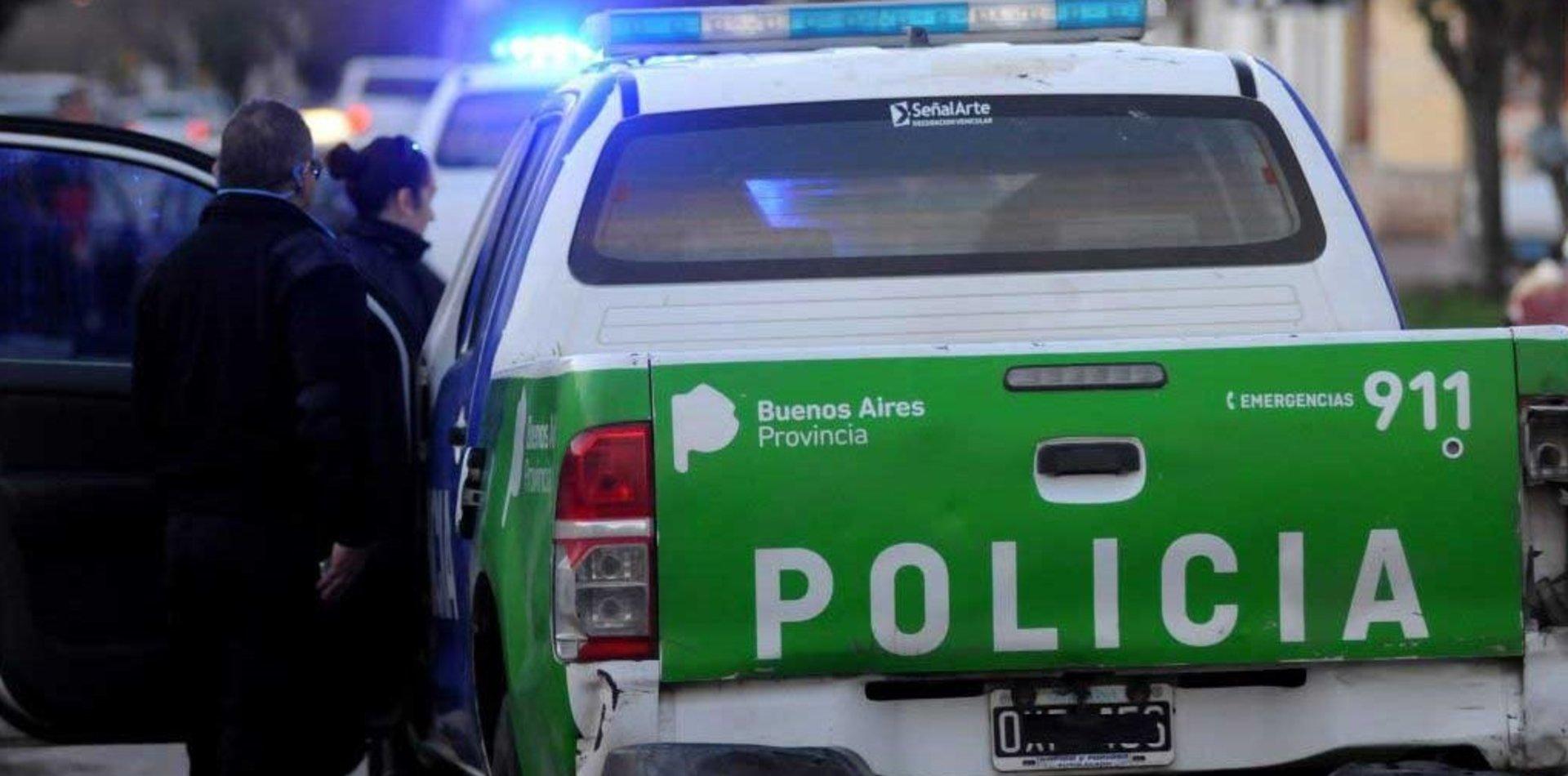 Conmoción en La Plata: un hombre mayor se desvaneció y murió en la puerta de un edificio