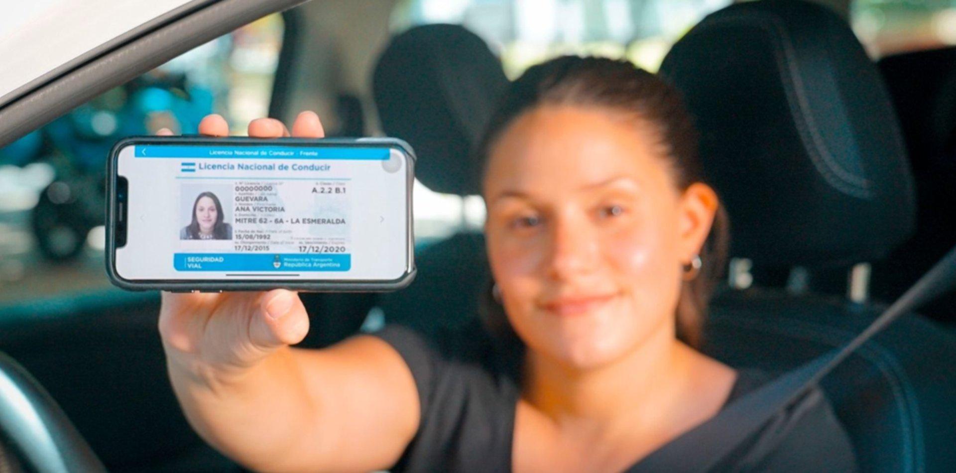 ¿Qué hay que hacer para tener la licencia de conducir y la cédula en el celular?
