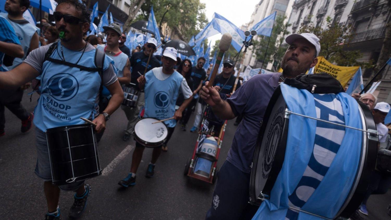 Docentes privados denuncian despidos masivos y anunciarán medidas de fuerza en La Plata