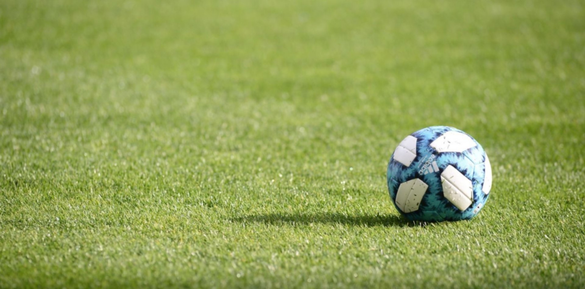 Dirigentes que no deciden y el fútbol no sale de su laberinto