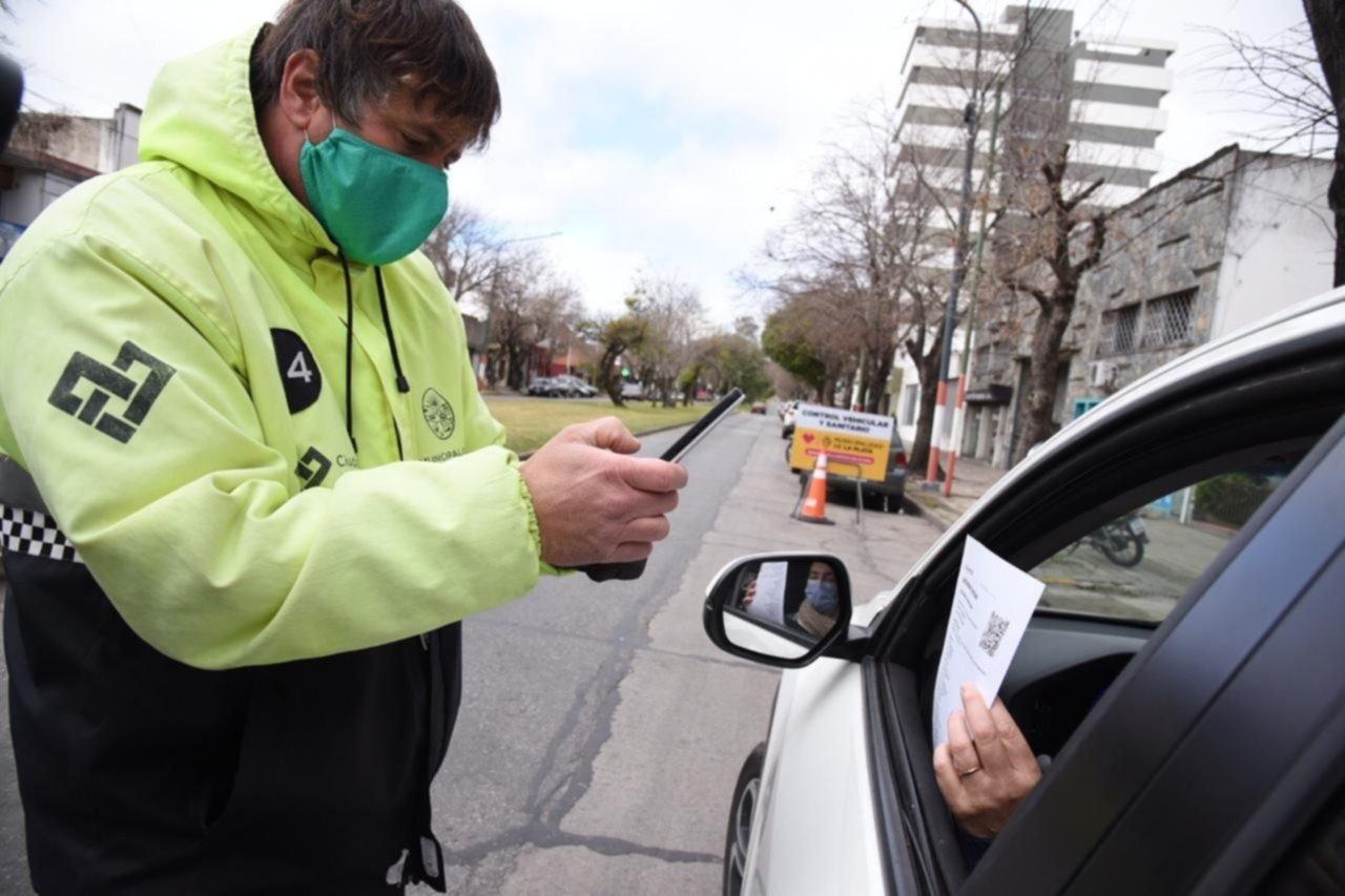Permisos de circulación y testeos: siguen los operativos en distintos puntos de La Plata