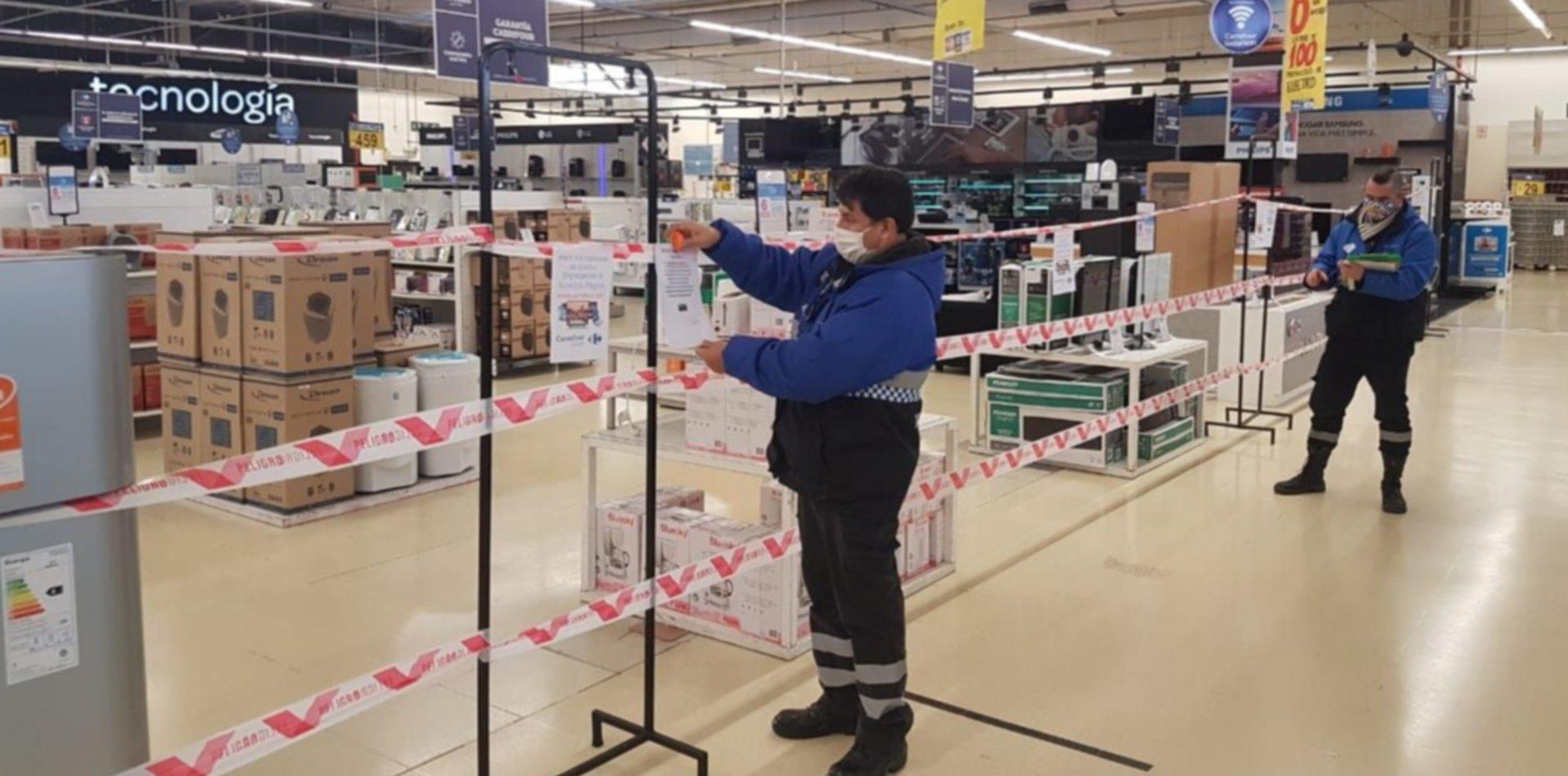 Los hipermercados de La Plata no podrán vender productos que no sean esenciales