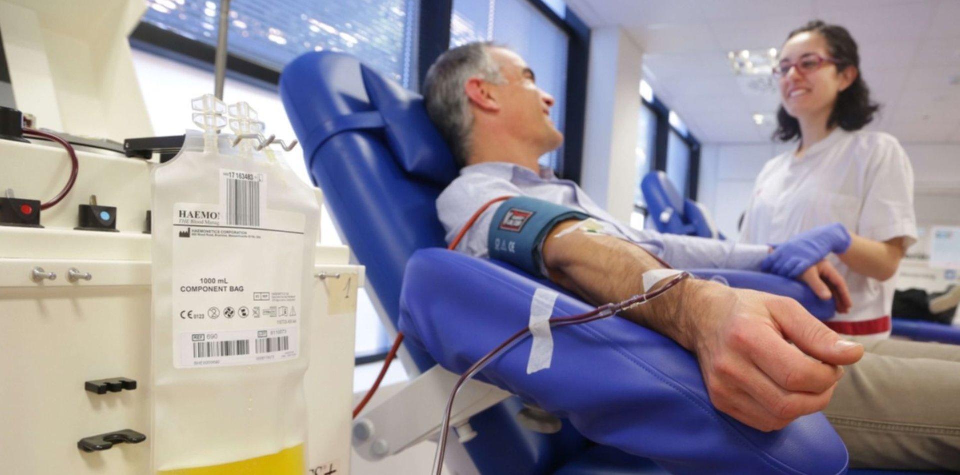 Por primera vez aplican plasma de convaleciente a un paciente en diálisis