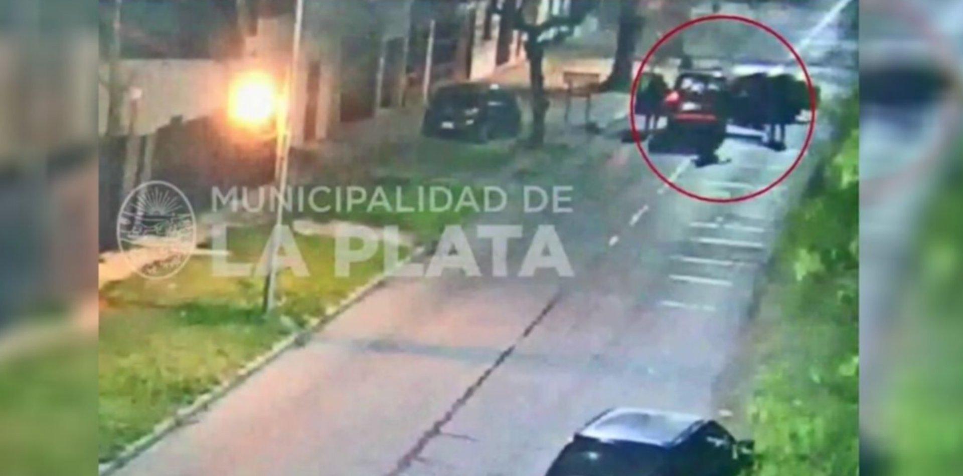 VIDEO: Tras una persecución, atraparon a ladrones en medio de una entradera en La Plata