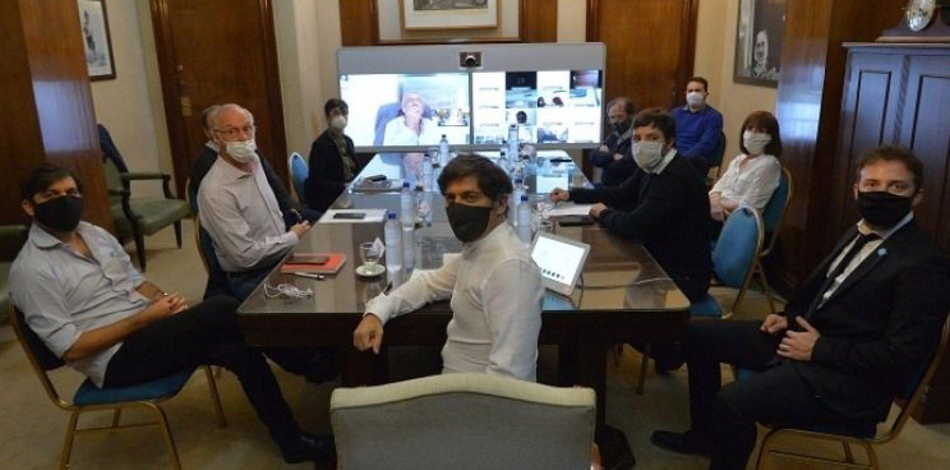Kicillof se reúne con especialistas antes del anuncio de la nueva cuarentena en el AMBA