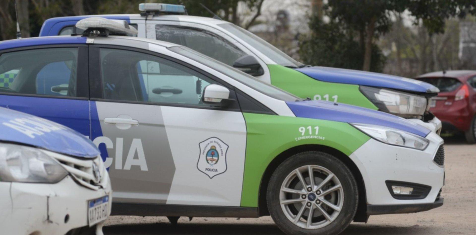 Acusan a un policía de Berisso de abusar de su hijastra y atacar a cintazos a su hermanito