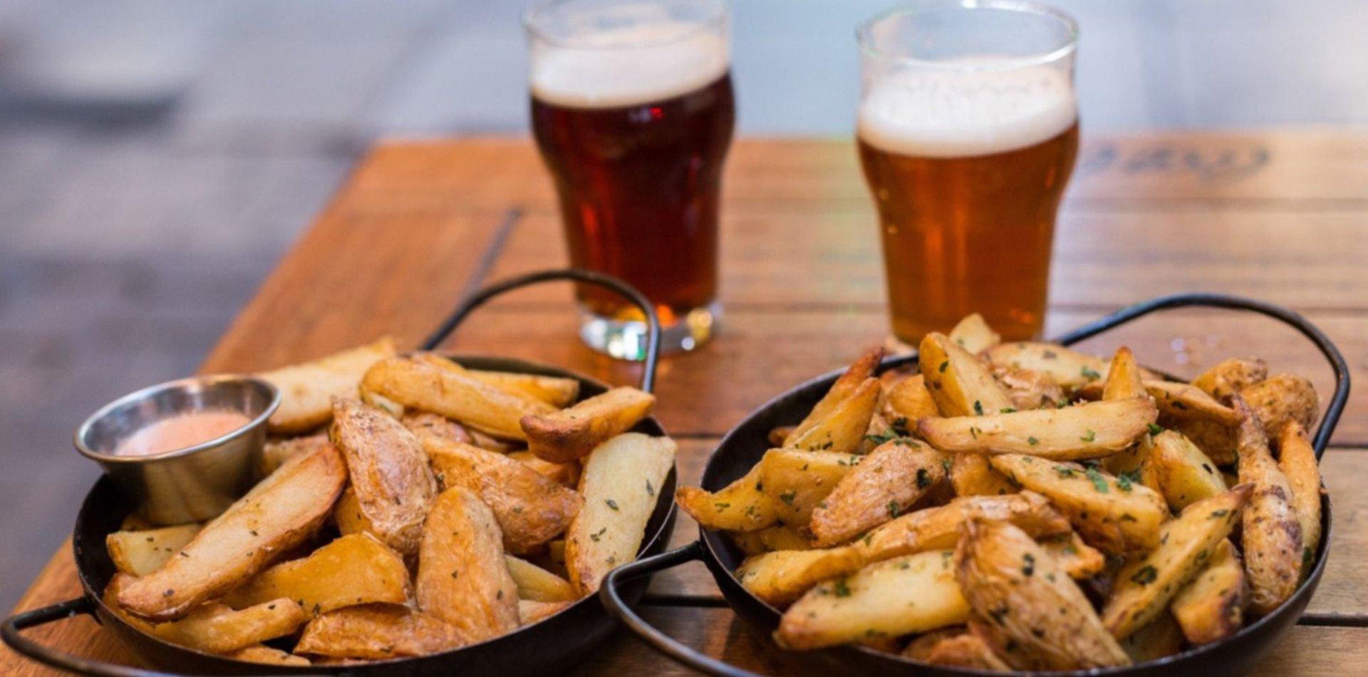 Una cervecería de La Plata ofrece papas gratis para los vacunados contra el COVID