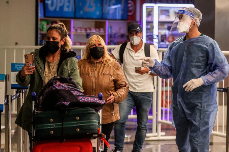 Revelan que un paciente se contagió la cepa Delta del COVID-19 sin salir de Argentina