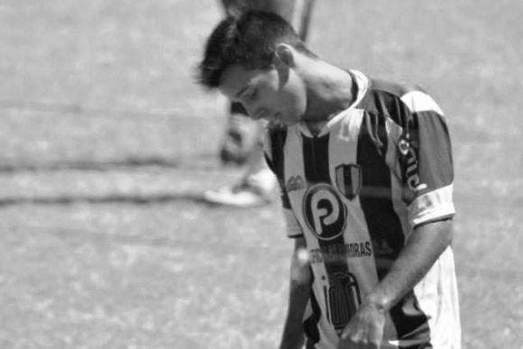 Conmoción en el mundo del fútbol: un joven jugador uruguayo se quitó al vida