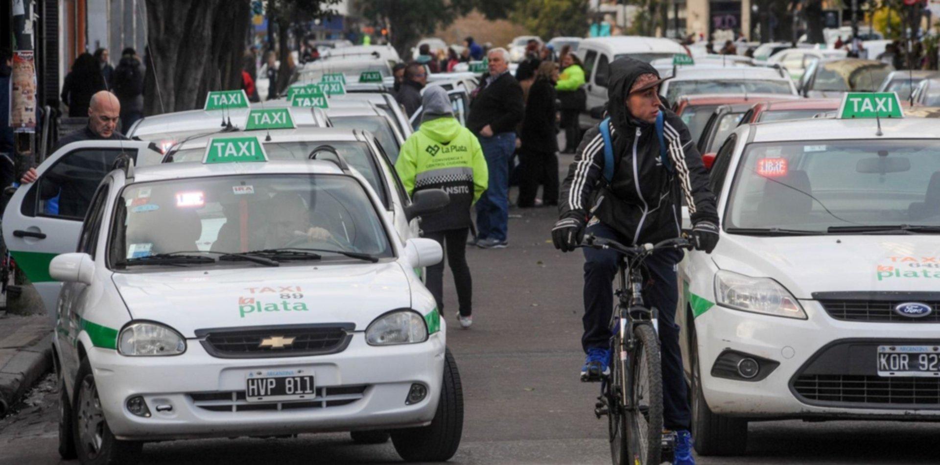 Prorrogarán por un año las habilitaciones de taxis, remises y transportes escolares