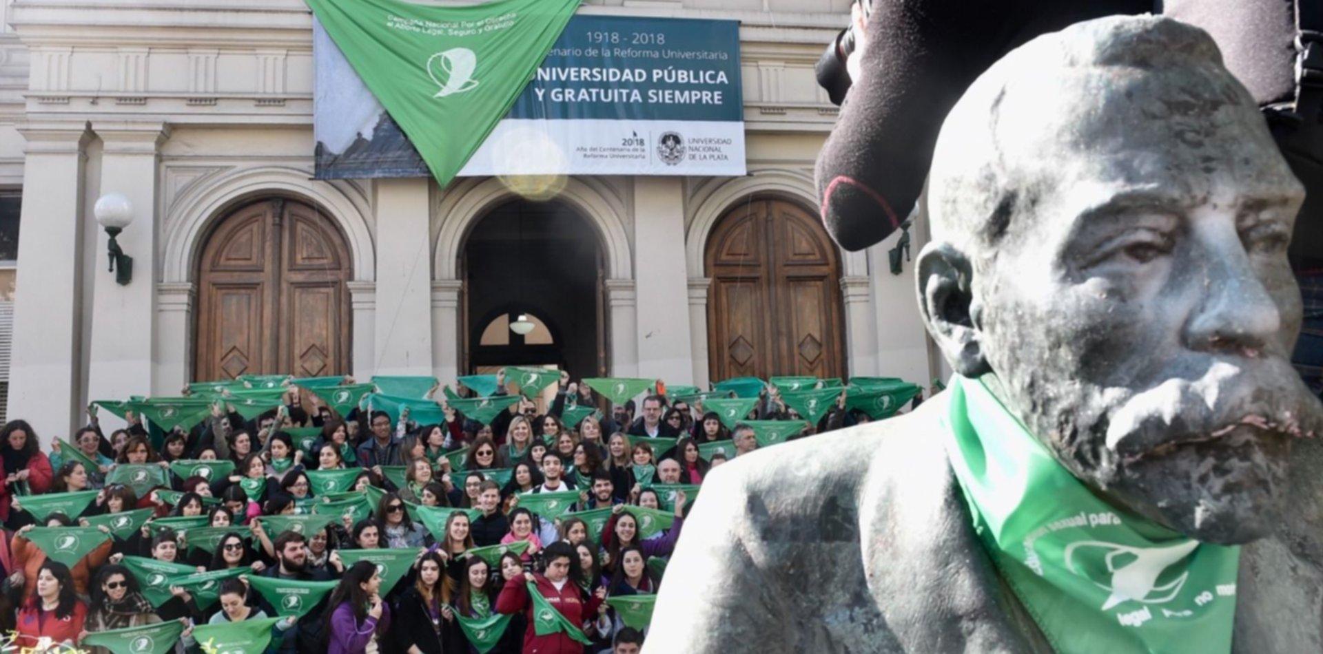 Ley Micaela en la UNLP: la Universidad capacitará en género a su personal