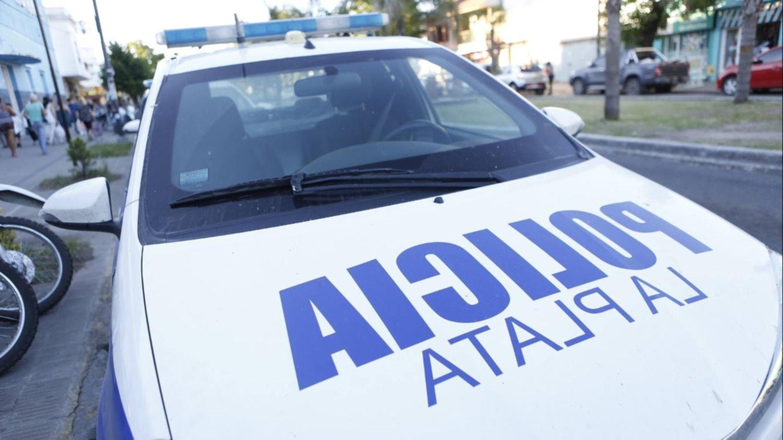 Tragedia en La Plata: discutió con la hermana, la empujó y murió aplastada por una columna