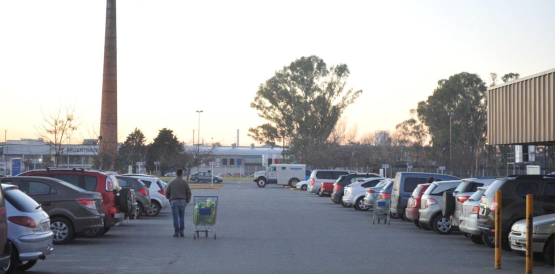 Robaron Walmart tras golpear a un sereno: se llevaron celulares y ...