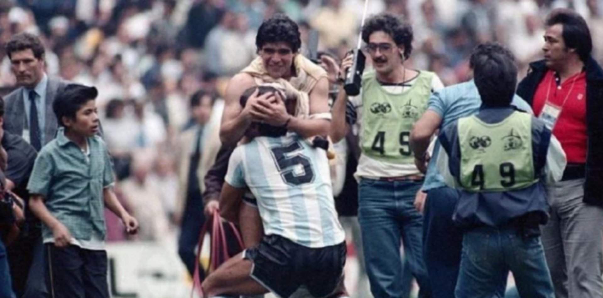 VIDEO: El Tata Brown, Maradona y el día que le provocó un desgarro
