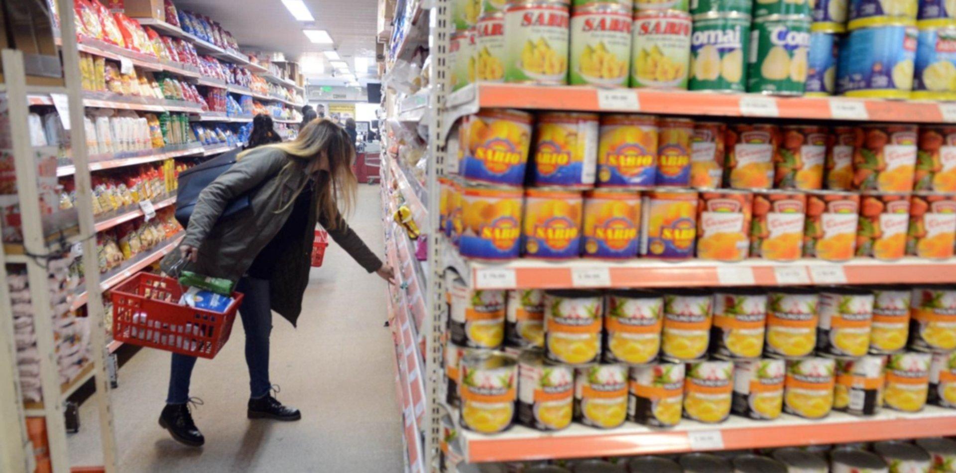 Según Defensa del Consumidor, ya bajaron los alimentos que no pagan más el IVA