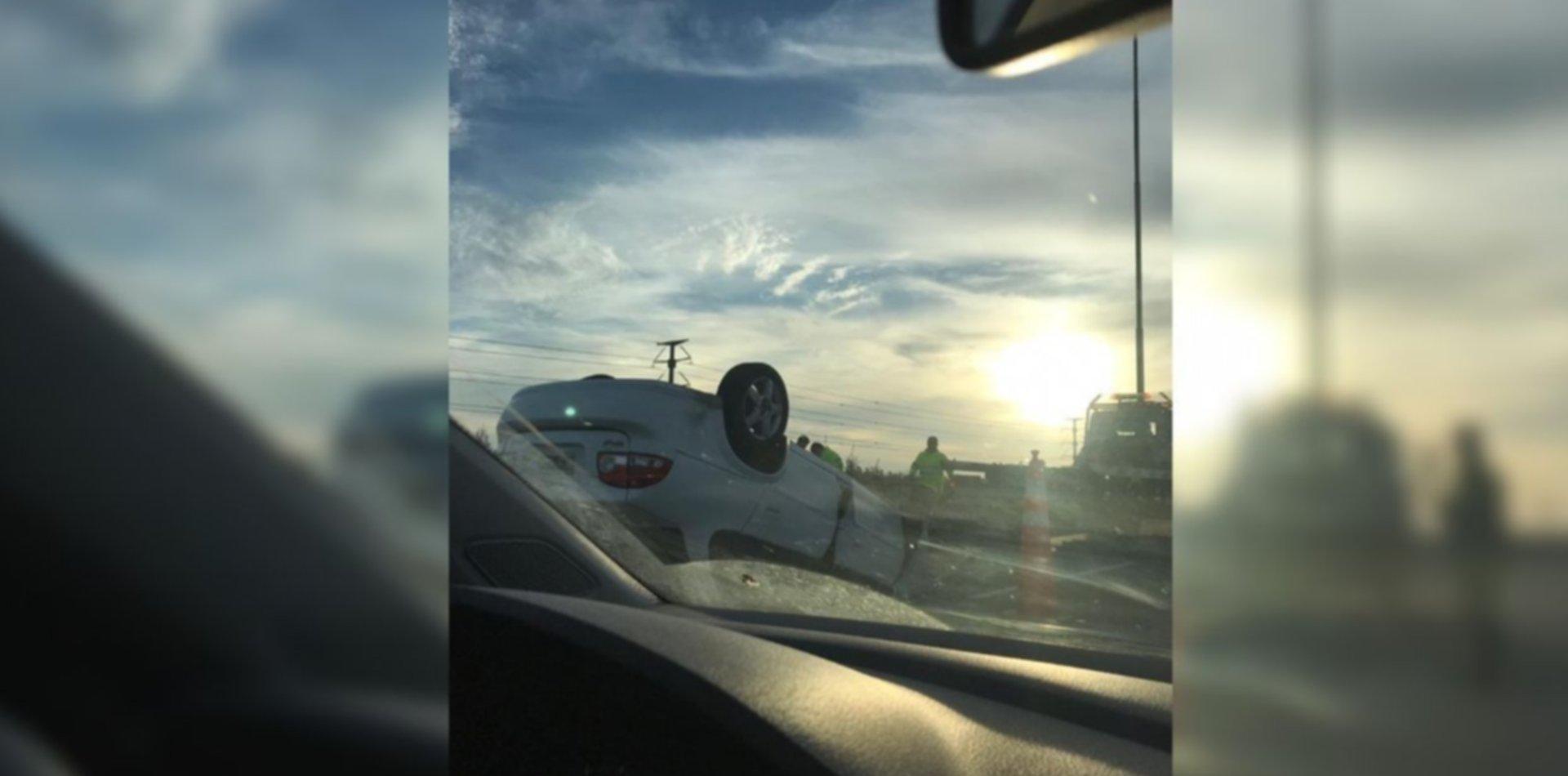 Choque y vuelco en la Autopista La Plata-Buenos Aires: hay complicaciones en el tránsito