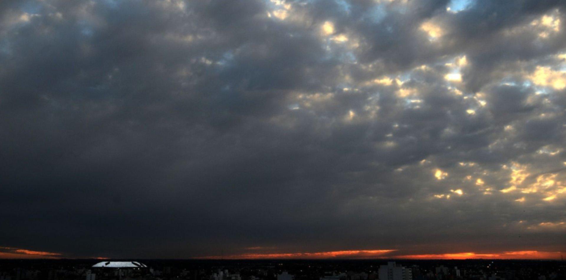 Cesó la alerta naranja y así estará el clima este domingo en La Plata