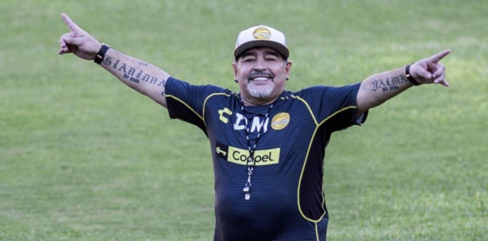 Llegó D10S: Maradona ya es el nuevo técnico de Gimnasia