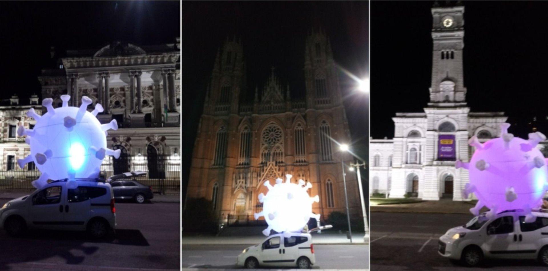 VIDEO: Un artista creó un coronavirus gigante y lo pasea por las calles de La Plata