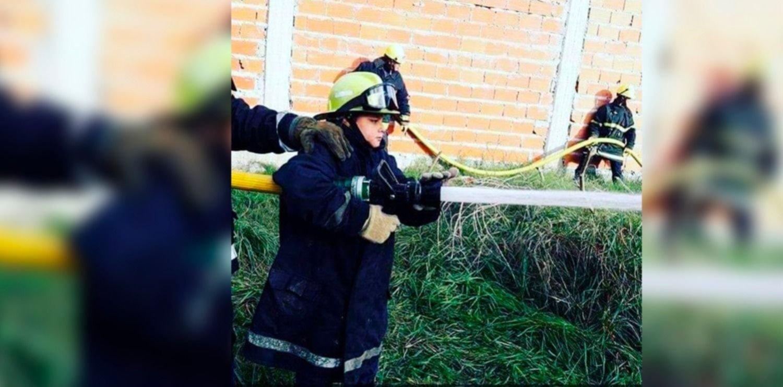 Un bombero de 15 años salvó a una mujer haciéndole RCP