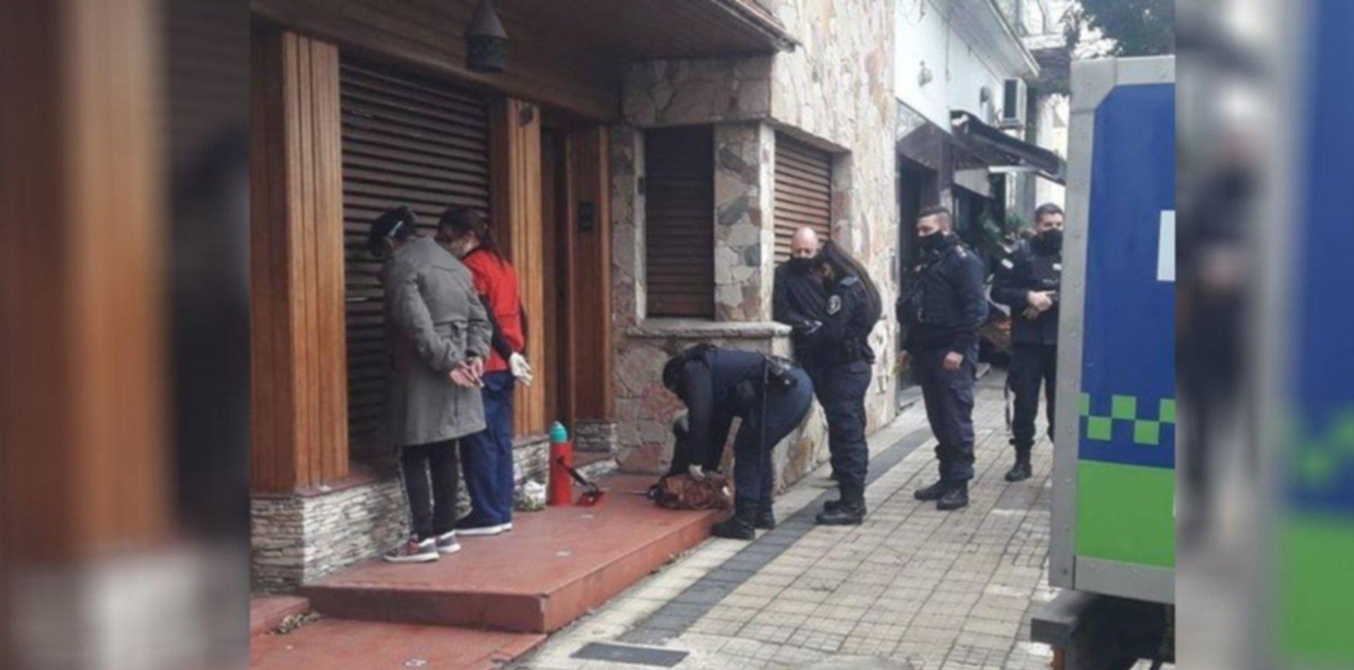 Hallaron muertas a dos mujeres en su casa de La Plata y detuvieron a las cuidadoras