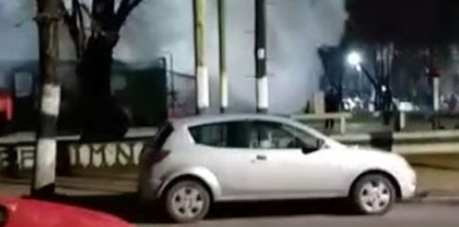 VIDEO: Tensión en el estacionamiento del Hospital Español por el incendio de una camioneta