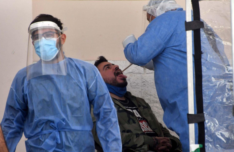 La OMS habló del descenso de los casos y adelantó cuándo estaría controlada la pandemia