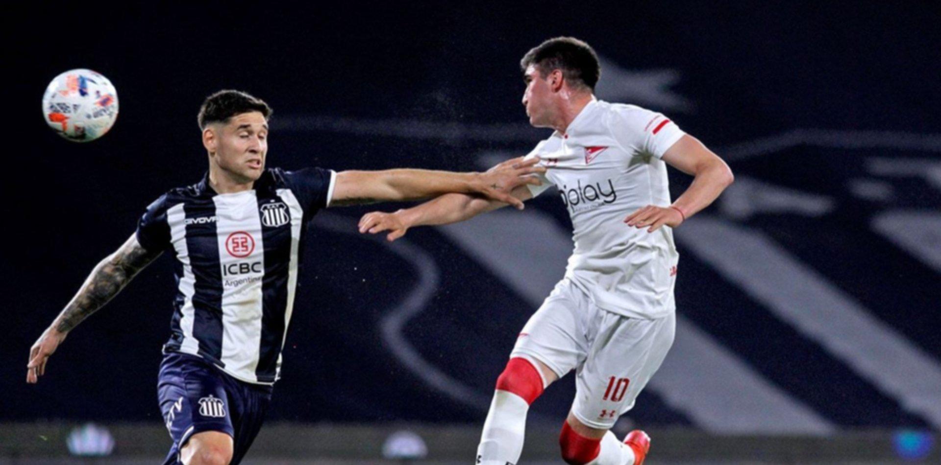 Estudiantes no jugó bien, Talleres lo superó y le ganó por 2 a 0