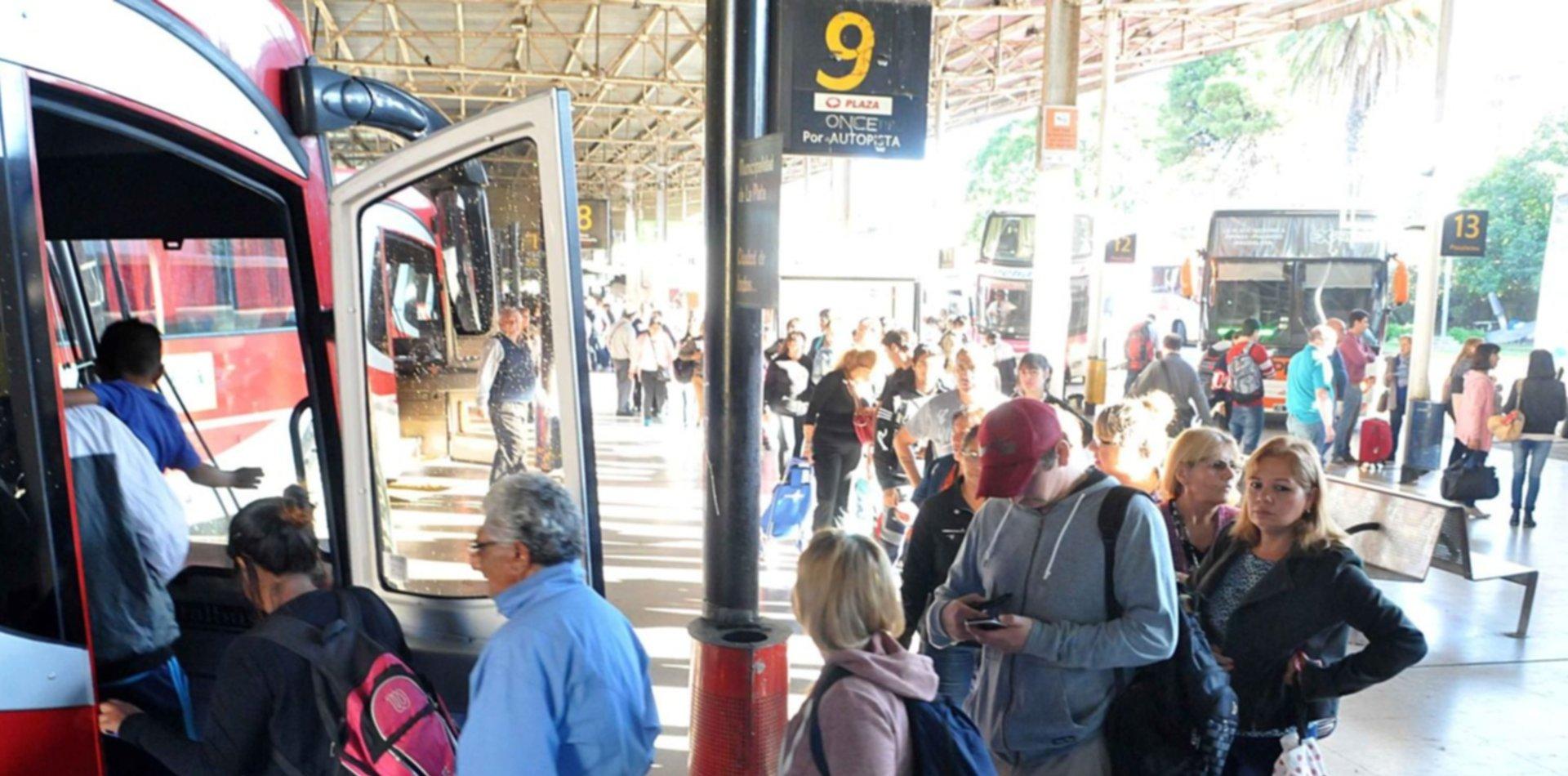 Cuánto saldrá por mes viajar de La Plata a Capital tras el aumento del transporte