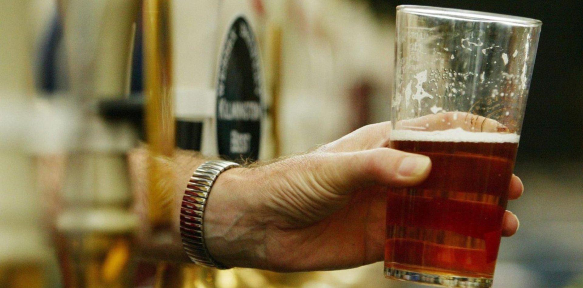 Una conocida cervecería de La Plata baja sus persianas y remata todo