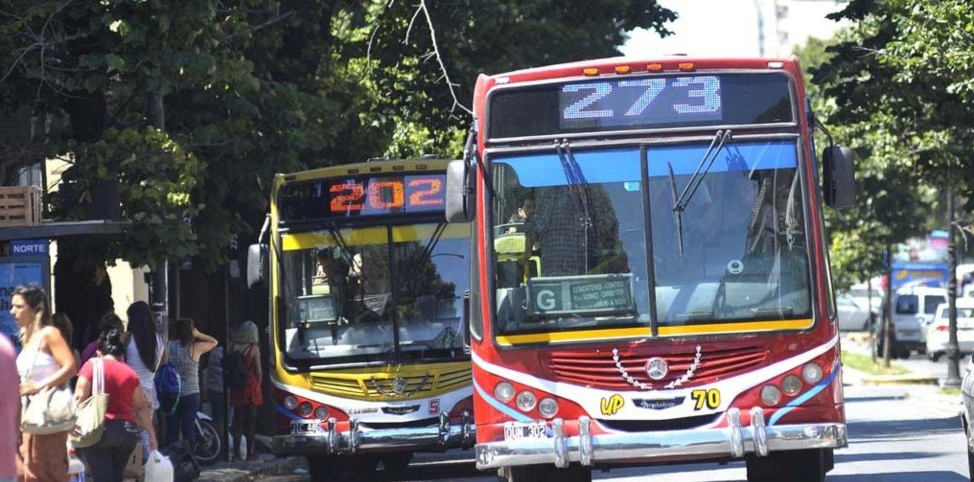 Por una quita de subsidios, en La Plata no habrá servicio de micros durante varias horas