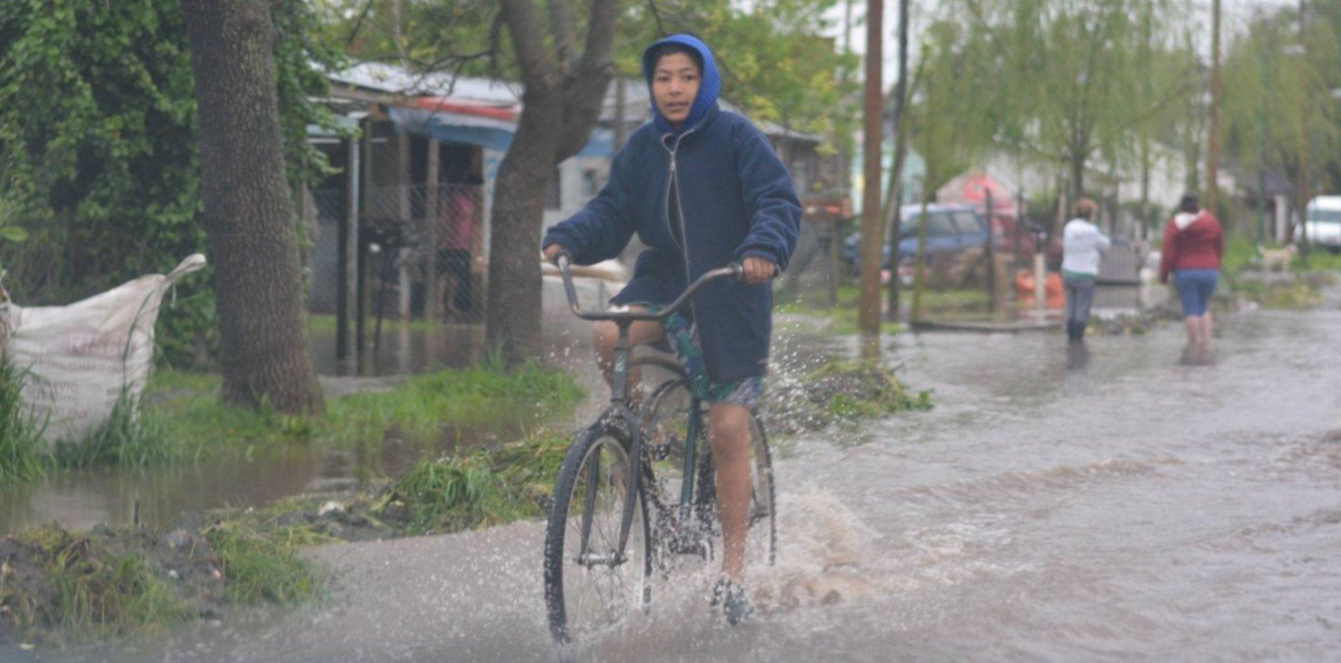 La zona sur, Villa Elisa y Villa Castells, los rincones más golpeados por las lluvias