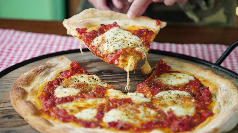 La Plata se suma a La Noche de las Pizzerías: ¿dónde aprovechar el 50% de descuento?