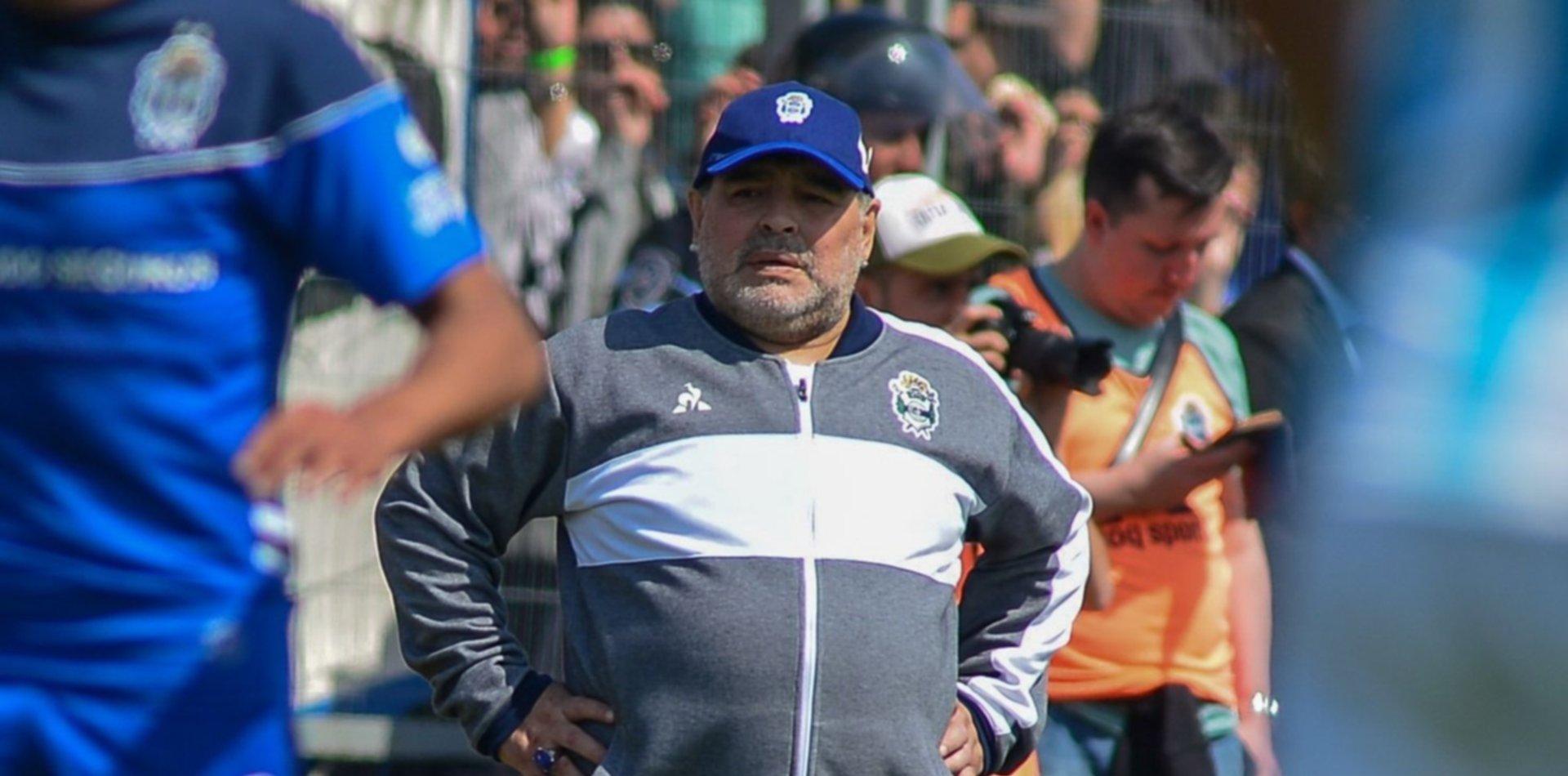 """Maradona, en conferencia: """"No hay que llorar, hay que seguir trabajando"""""""