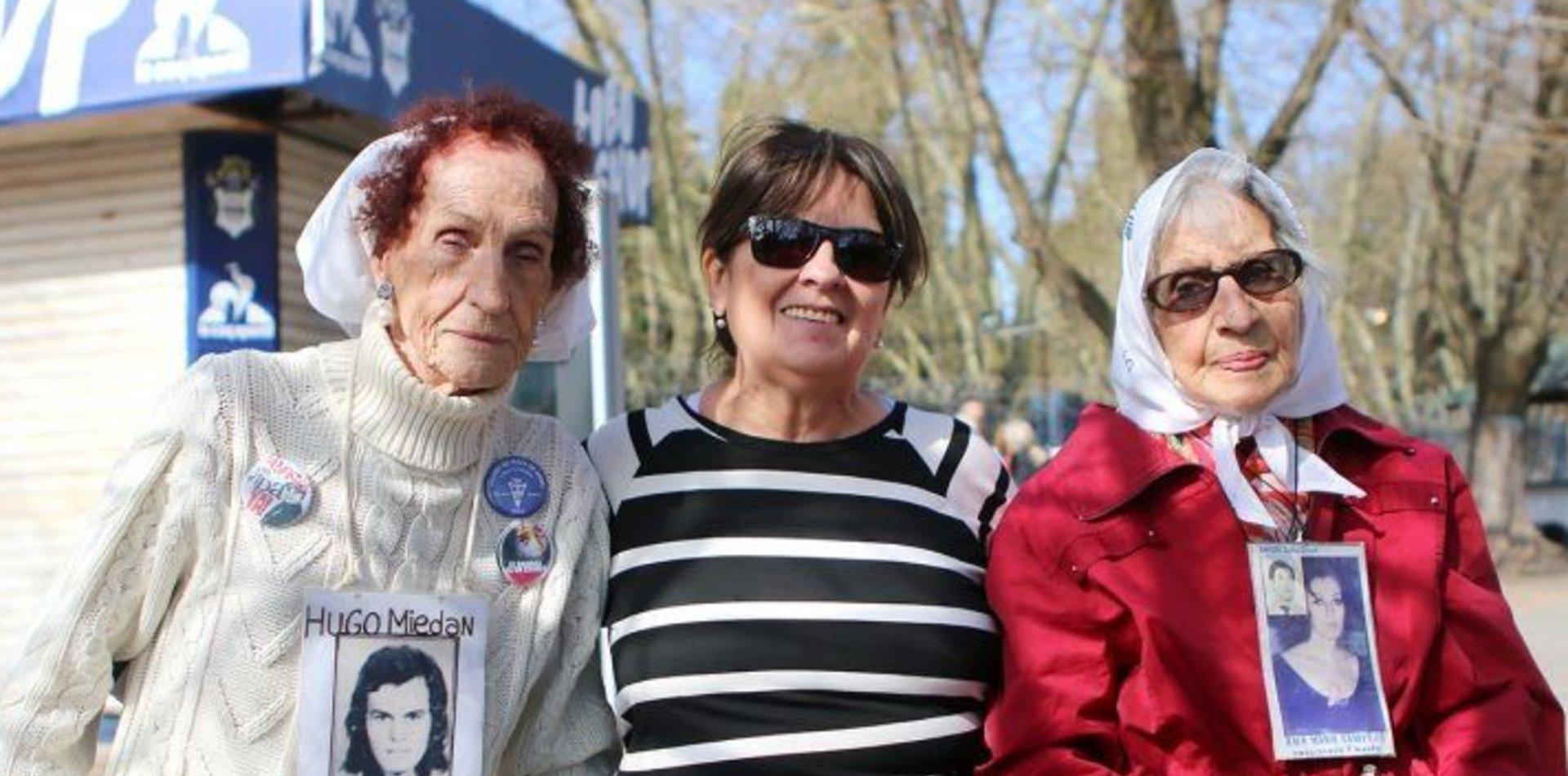 Gimnasia nombró socias honorarias a Elia Espen, Mirta Acuña de Baravalle y Nora Cortiñas
