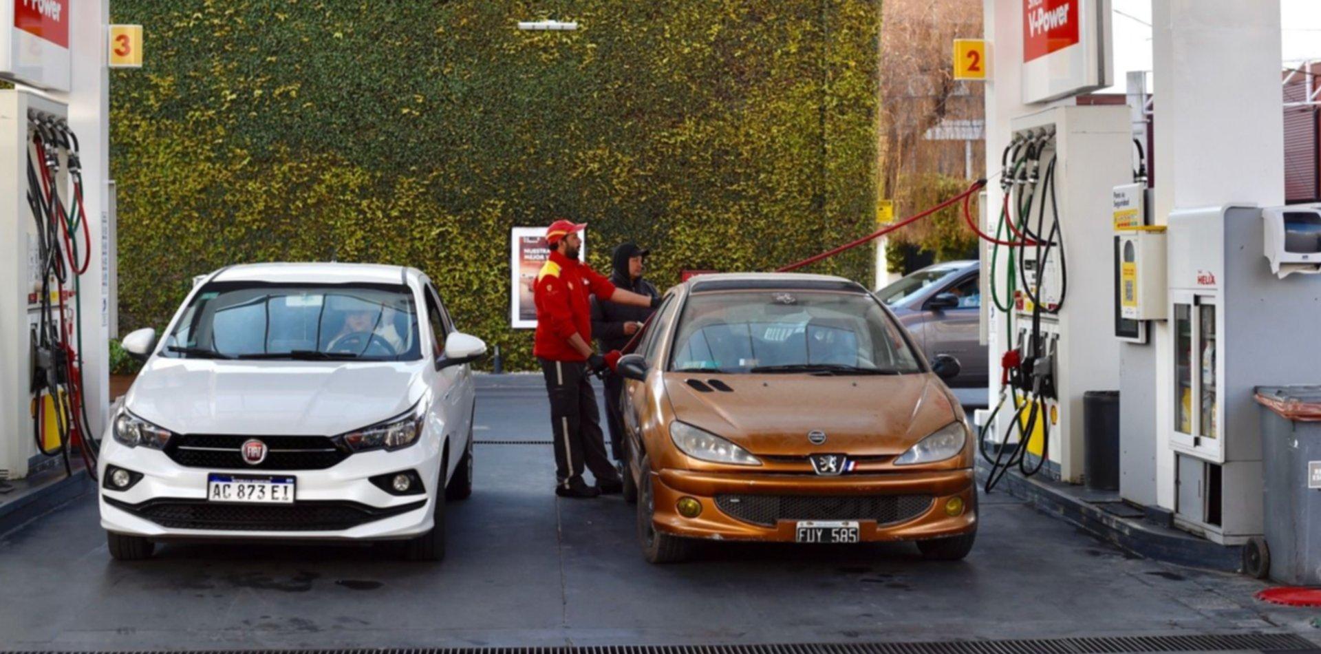 Nueva oferta laboral: buscan jóvenes para estaciones de servicio en La Plata