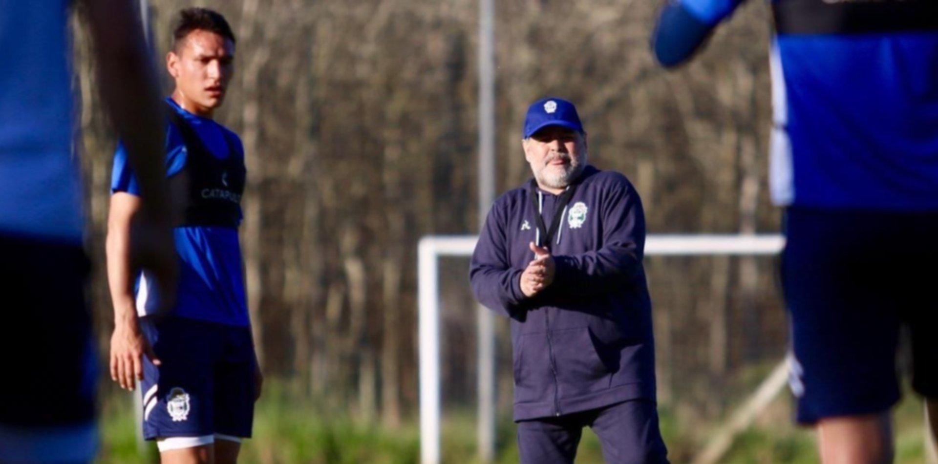 Gimnasia entrena y Maradona recupera soldados para la próxima batalla