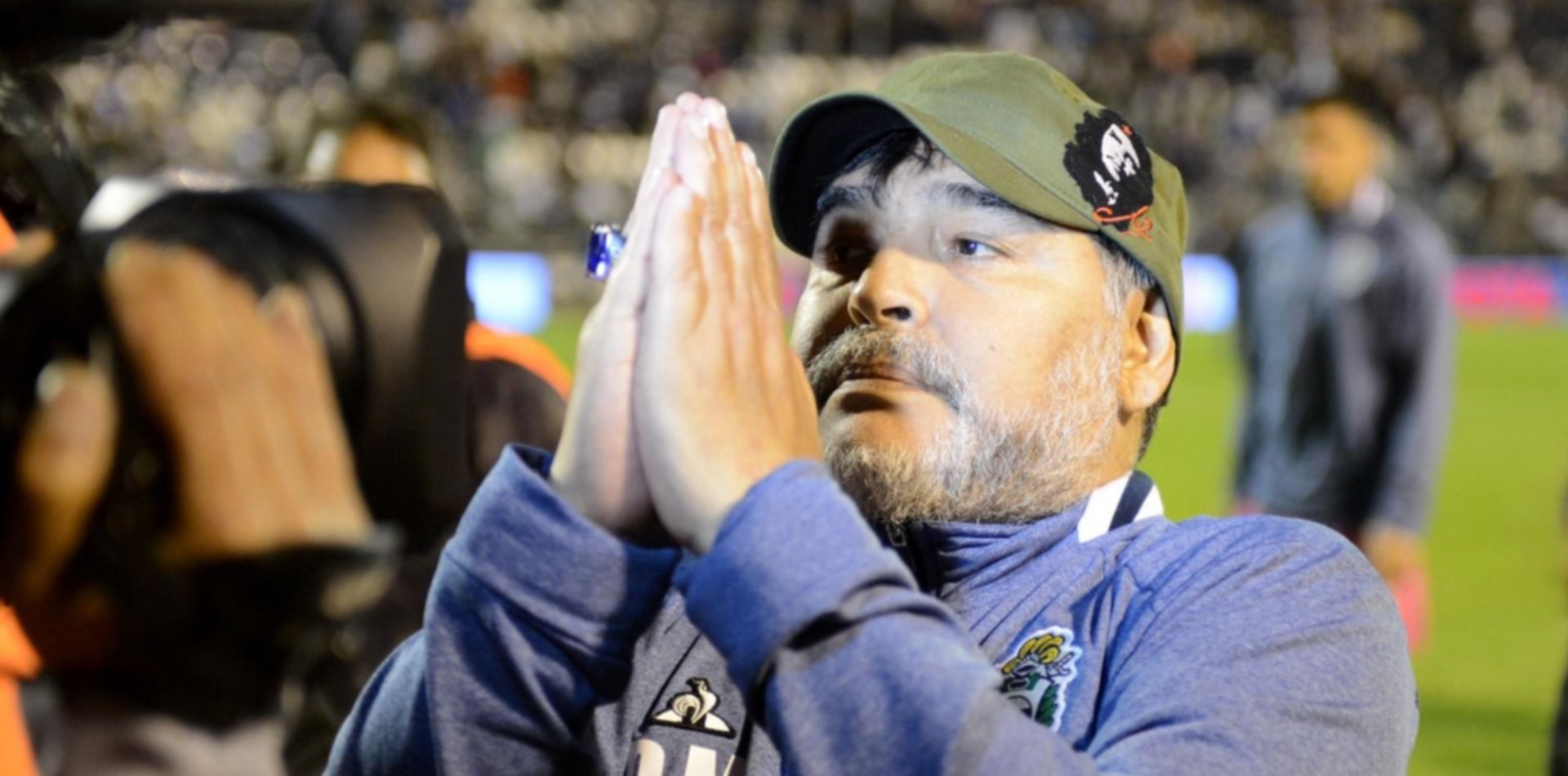 Pelusa, la Selección y técnico de Gimnasia: enorme mural de Diego Maradona