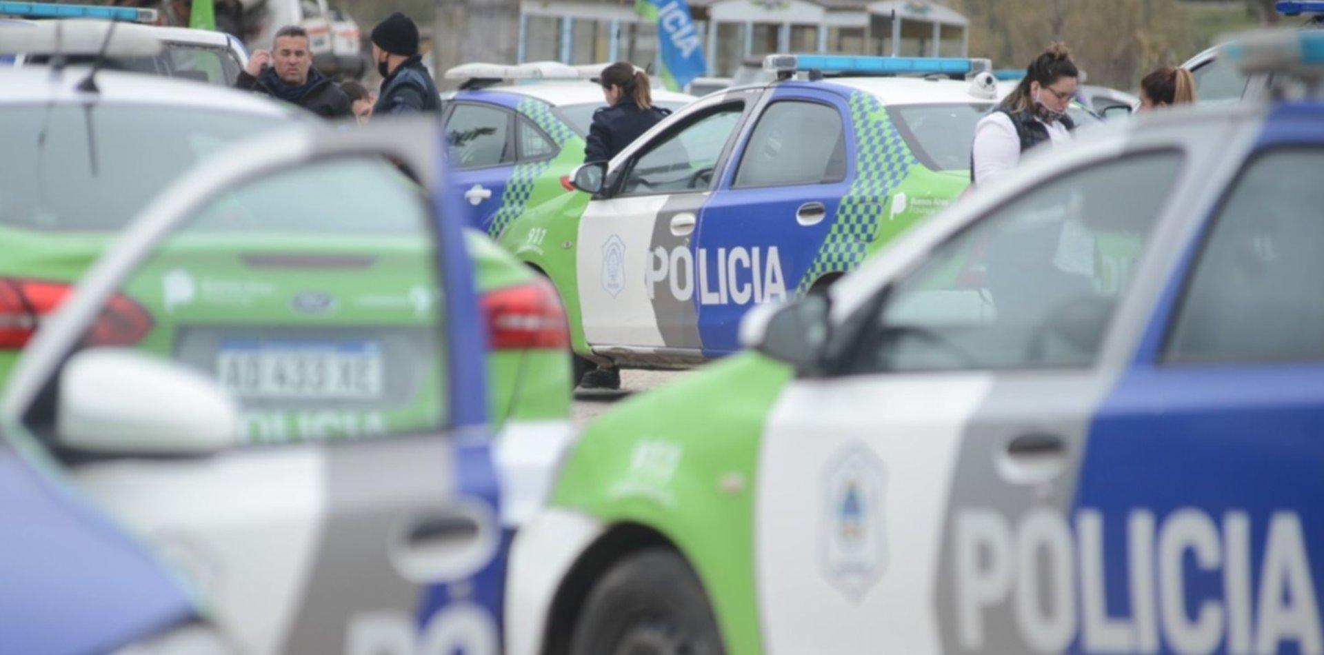 En medio de la ola de inseguridad, cambiaron a nueve comisarios en La Plata